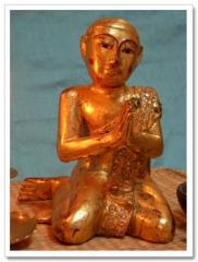 golden_figurine